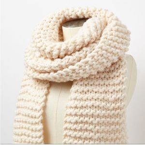Roots Delanie chunky knit scarf